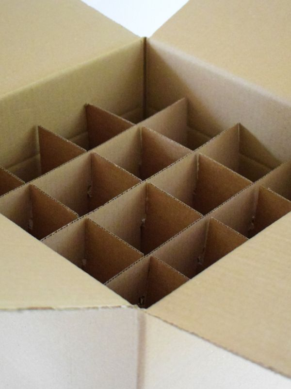 Carton with dividers