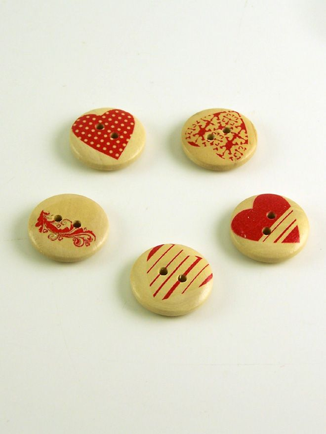 Heart Print Round Wooden Buttons
